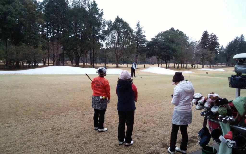 ゴルフスクール コースレッスンを2月11日に内原カントリー倶楽部で行いました。